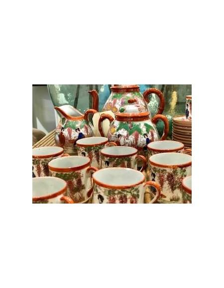 Juego de té de porcelana japonesa.