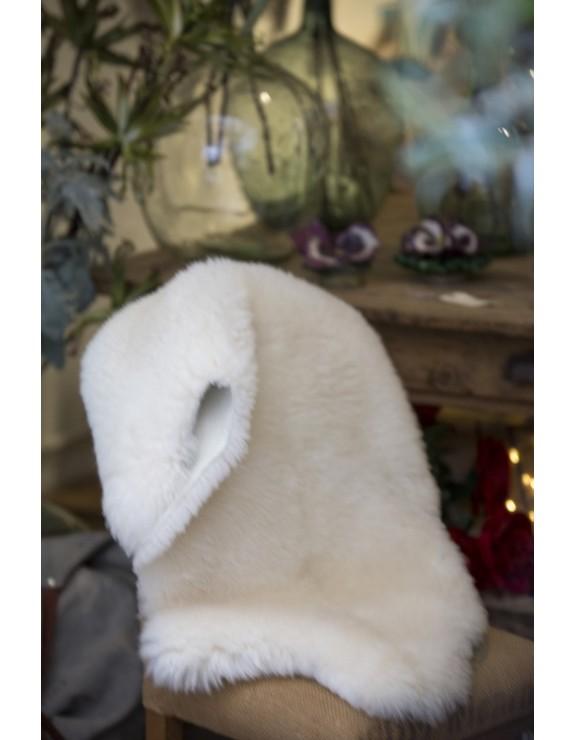 Piel blanca sintética en forma de animal