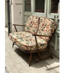 Sofá de 2 plazas ORIGINAL Ercol de haya teñida y barnizada con su tapicería original.