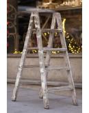 Escalera de madera plegable